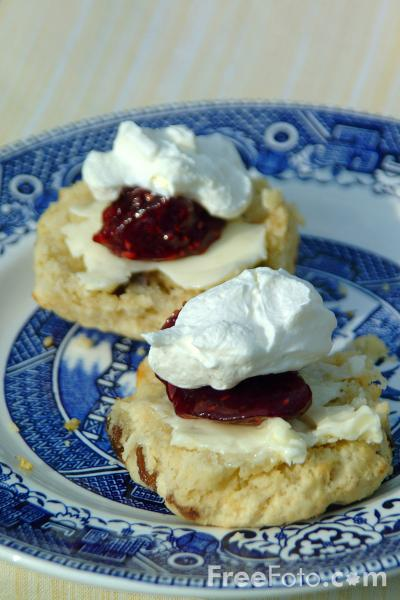 09_29_52---Scones--Jam-and-Cream_web