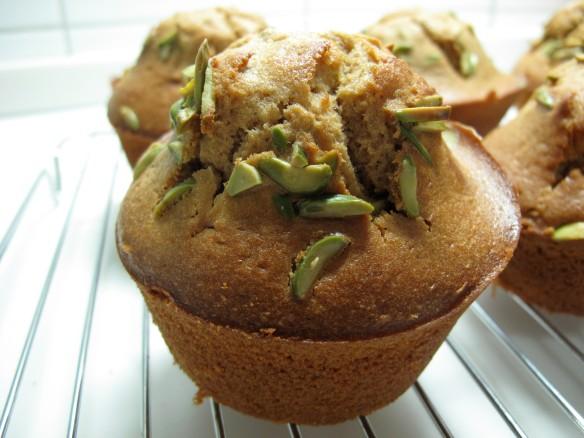 olive oil pistachio muffins
